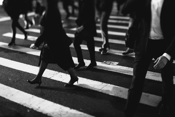 Street Crossing Photo by kumoma lab on Unsplash